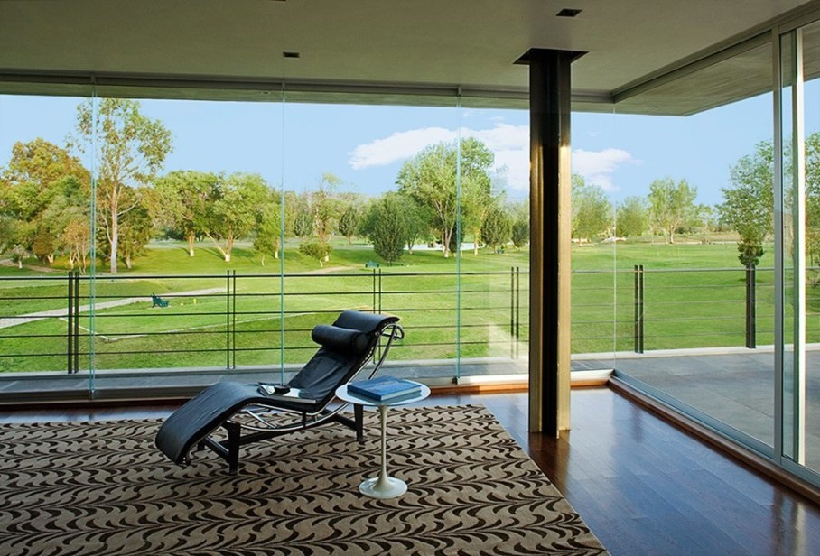 bitar-arquitectos-studio-the-house-of-glass-and-concrete-in-mexico-9-909x616_01