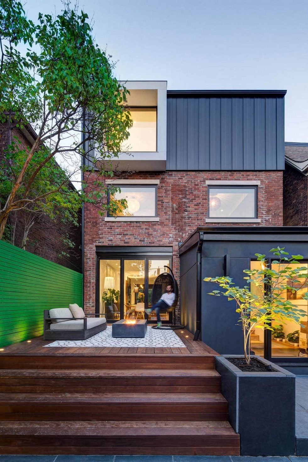 the-house-with-a-mansard-by-post-architecture-studio-australia-1-980x1471