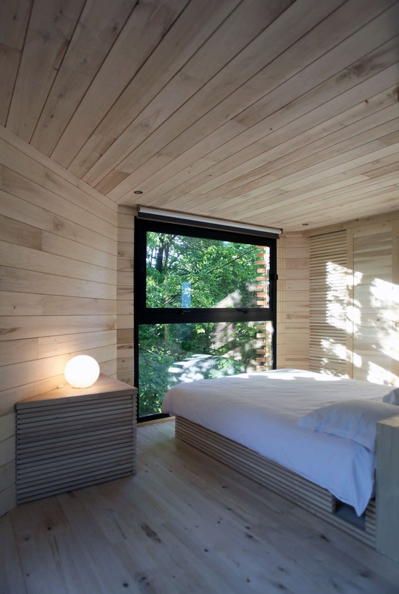 modern-architectural-wood-tree-house-170118-1246-05