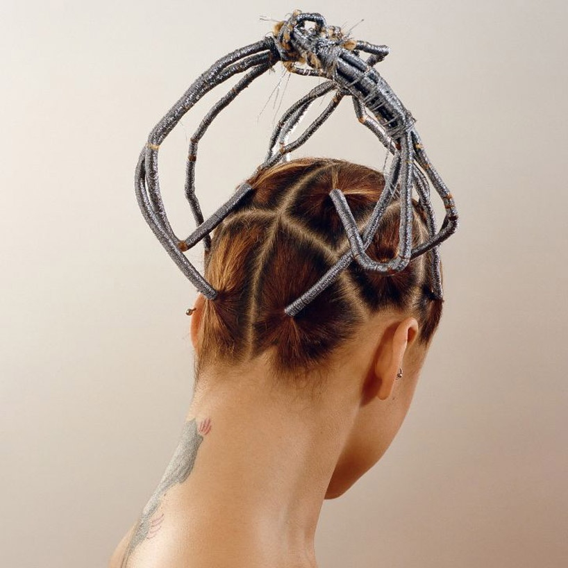 refinery29-natural-hair-movement-afro-brading-designboom-6