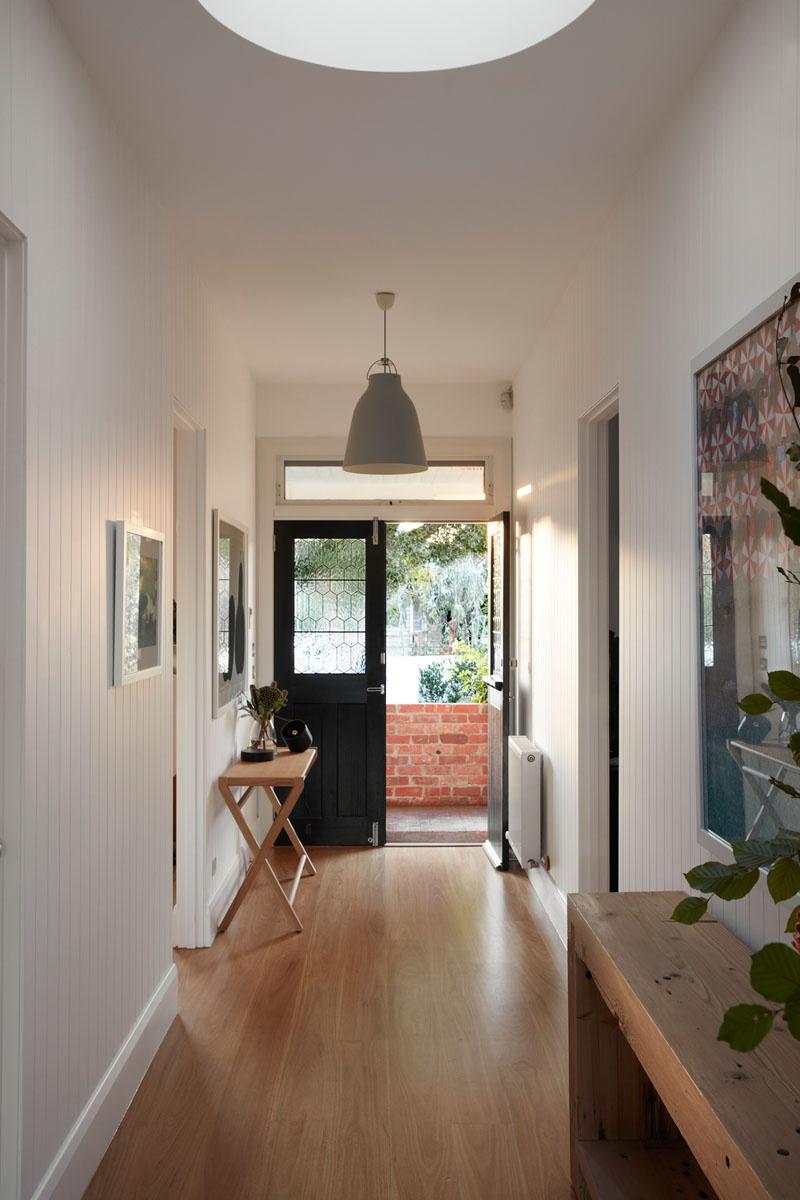 hallway-with-wood-floor-080518-1017-03_01