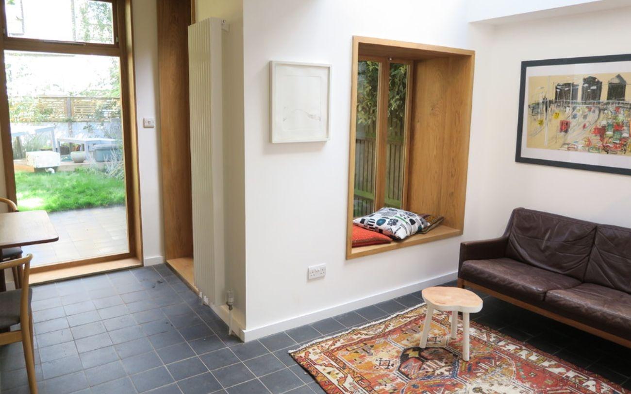 living-room-windowsill-for-reading_01