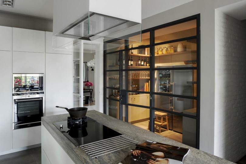 modern-palazzo-by-mood-works-10-810x540