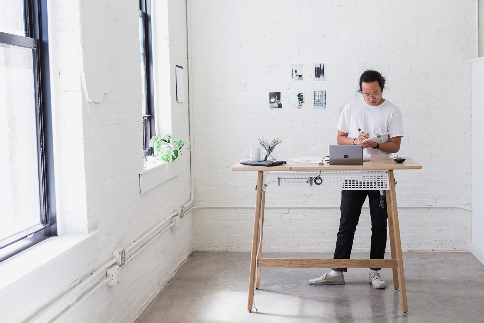 minimalist-standing-desk-7_01