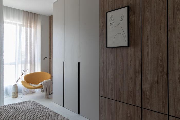 Встроенные зоны хранения позволили визуально увеличить пространство