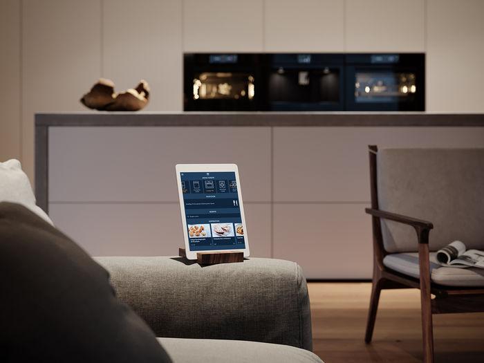 Крім базових налаштувань, V-ZUG передбачили широкі можливості персоналізації меню техніки.