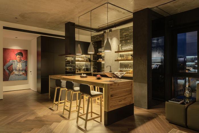 У кухні-їдальні зручно розмістилися всі побутові прилади