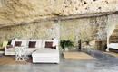 Невероятно комфортная жизнь в скалистой пещере