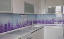 Почему выбирают стеклянные панели для кухонного фартука