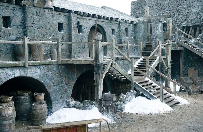 Винтерфелл - родовой замок Старков, древняя столица Севера